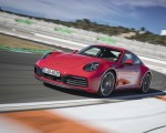 2020 Porsche 911 4S (Color: Guards Red) Front Three-Quarter Wallpaper 150x120 (11)