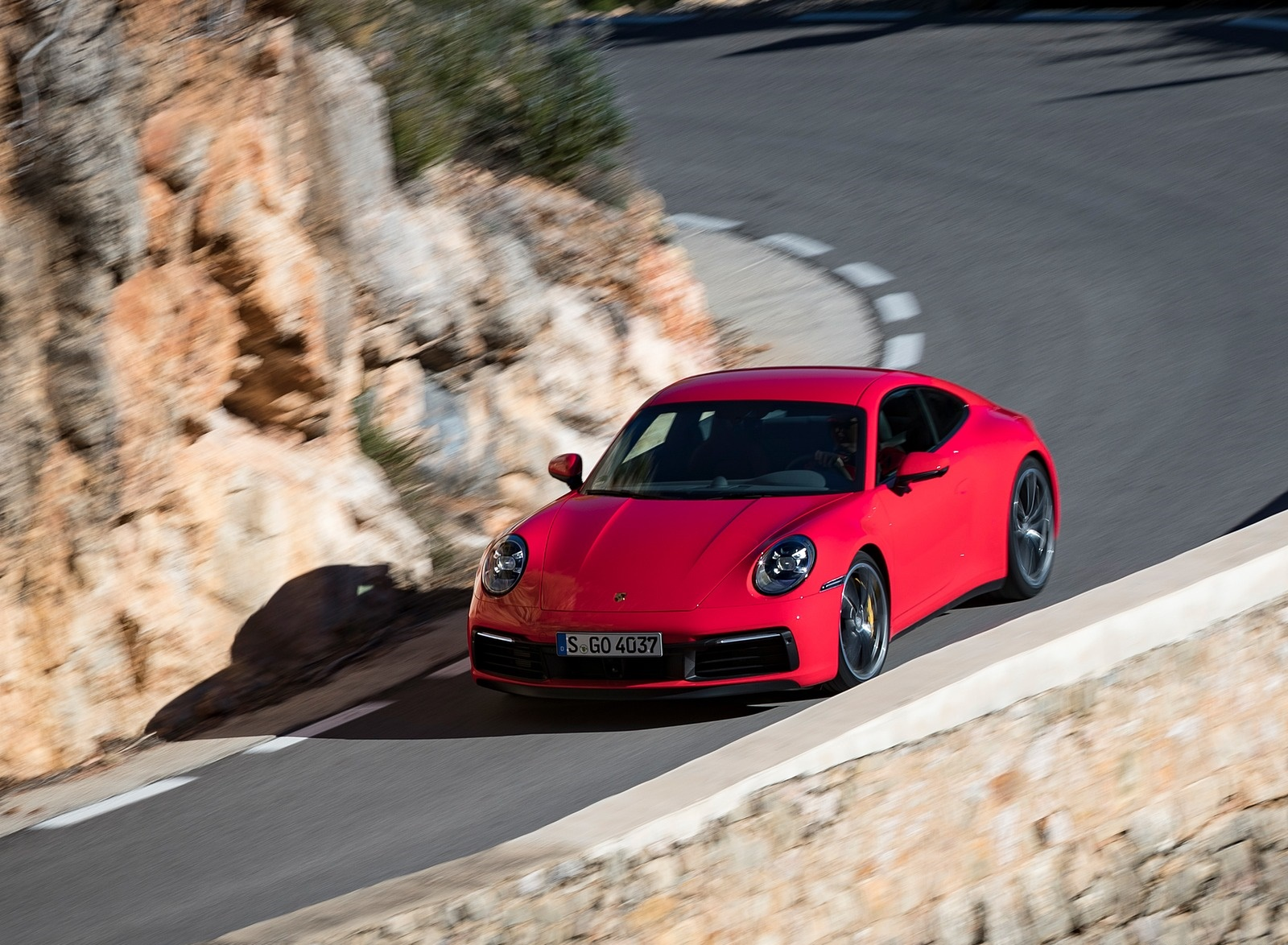 2020 Porsche 911 4S (Color: Guards Red) Front Three-Quarter Wallpaper (1)