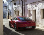 2020 Porsche 911 4S (Color: Guards Red) Rear Wallpaper 150x120 (20)