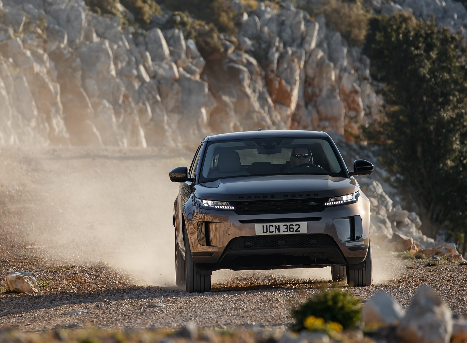 2020 Range Rover Evoque Front Wallpapers (4)