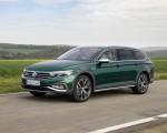 2020 Volkswagen Passat Alltrack (EU-Spec) Front Three-Quarter Wallpapers 150x120 (12)