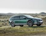 2020 Volkswagen Passat Alltrack (EU-Spec) Front Three-Quarter Wallpapers 150x120 (27)