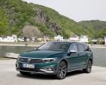 2020 Volkswagen Passat Alltrack (EU-Spec) Front Three-Quarter Wallpapers 150x120 (30)