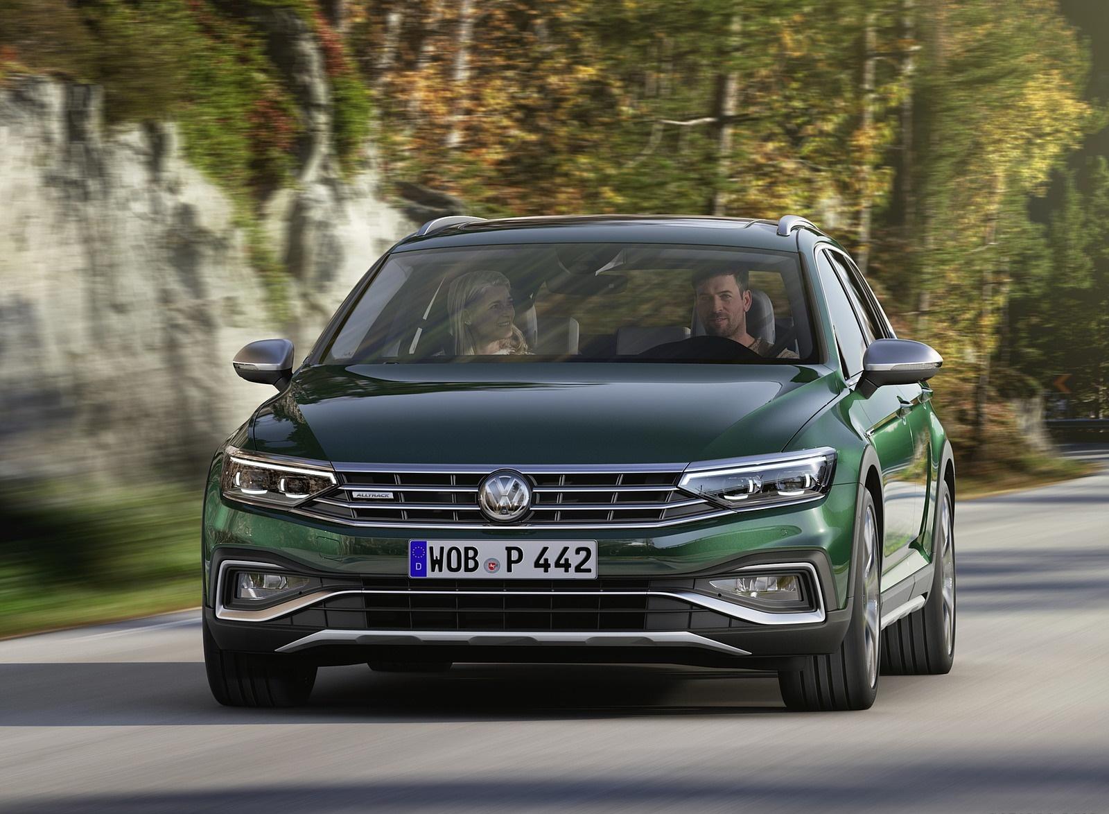 2020 Volkswagen Passat Alltrack (EU-Spec) Front Wallpapers (1)