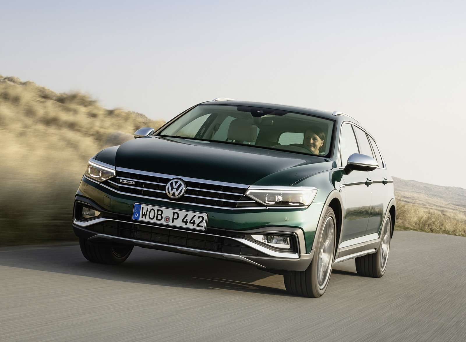 2020 Volkswagen Passat Alltrack (EU-Spec) Front Wallpapers (7)