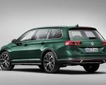 2020 Volkswagen Passat Alltrack (EU-Spec) Rear Three-Quarter Wallpapers 150x120 (8)