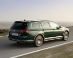 2020 Volkswagen Passat Alltrack (EU-Spec) Rear Three-Quarter Wallpapers 150x120 (9)