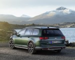 2020 Volkswagen Passat Alltrack (EU-Spec) Rear Three-Quarter Wallpapers 150x120 (6)