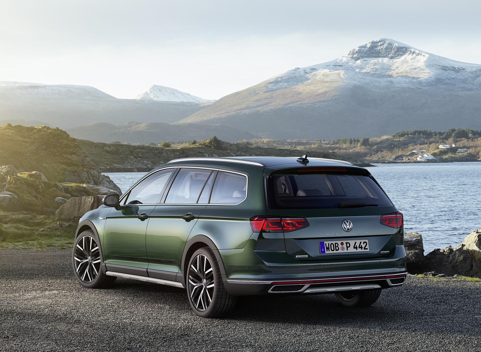 2020 Volkswagen Passat Alltrack (EU-Spec) Rear Three-Quarter Wallpapers (6)