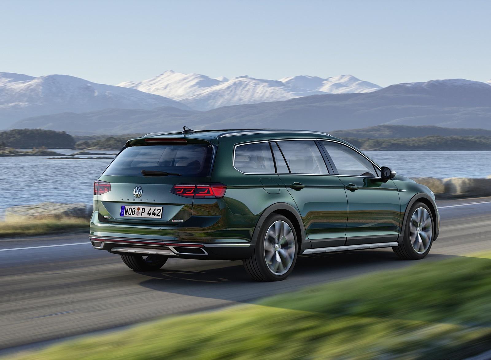2020 Volkswagen Passat Alltrack (EU-Spec) Rear Three-Quarter Wallpapers (3)