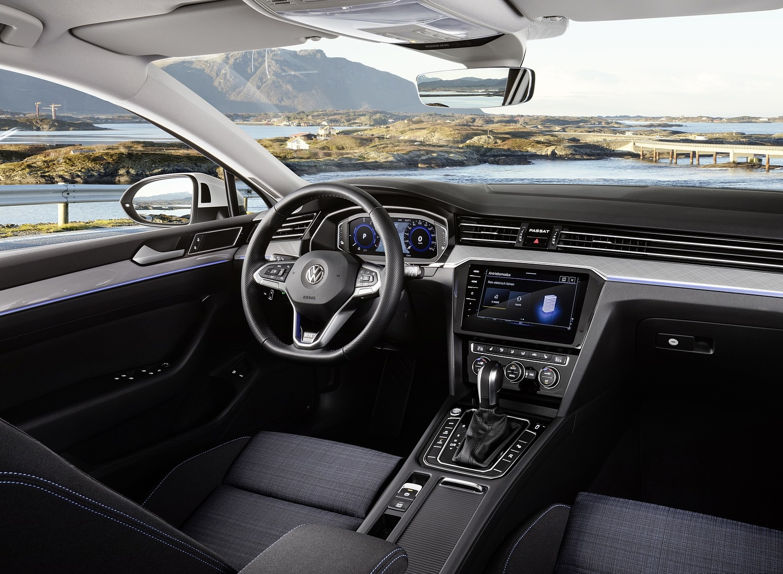2020 Volkswagen Passat GTE (EU-Spec) Interior Front Seats Wallpapers (15)