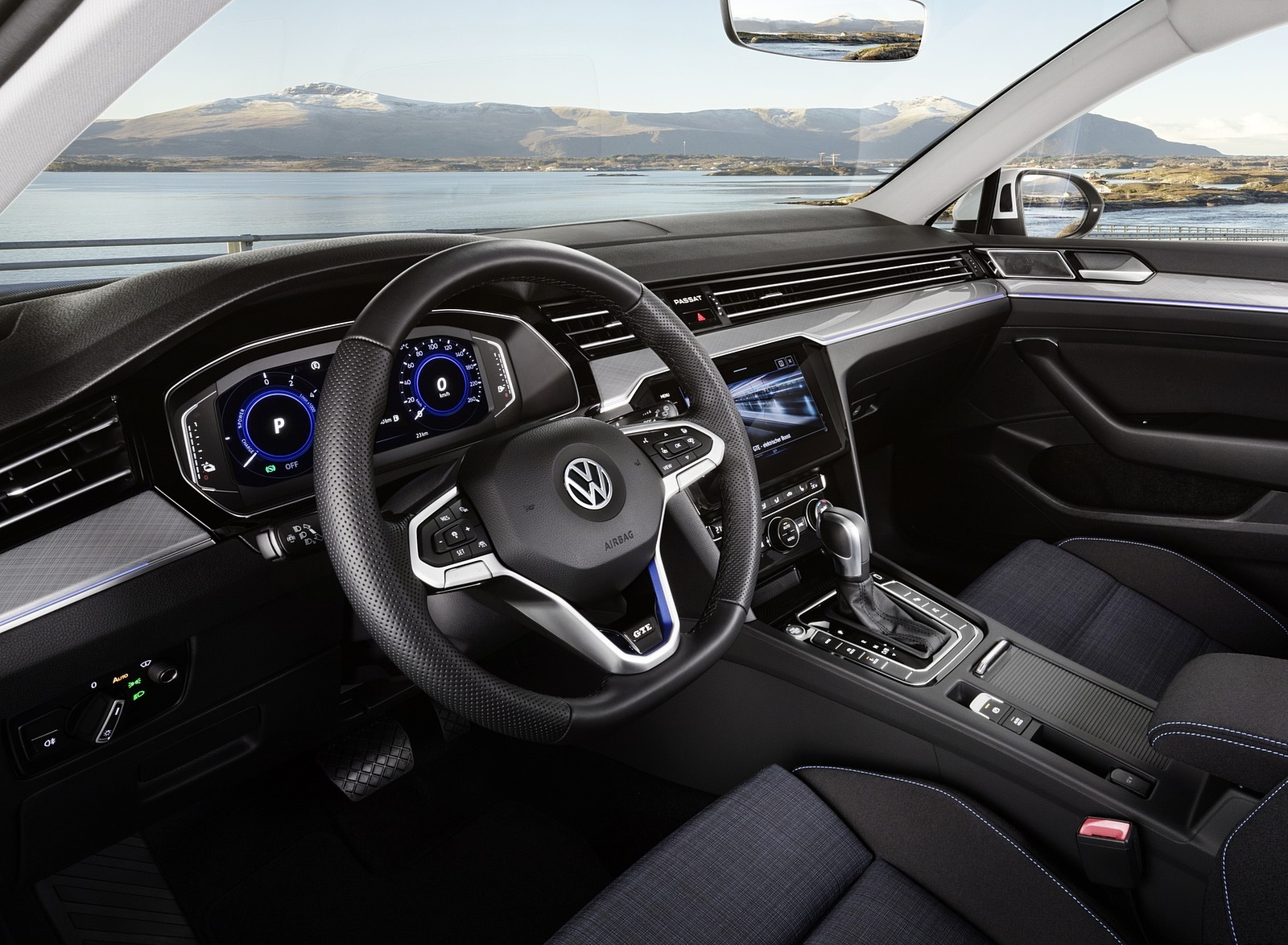 2020 Volkswagen Passat GTE (EU-Spec) Interior Wallpapers (13)