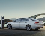 2020 Volkswagen Passat GTE Sedan (EU-Spec) Rear Three-Quarter Wallpapers 150x120 (36)
