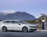 2020 Volkswagen Passat GTE Variant (EU-Spec) Charging Wallpapers 150x120 (44)