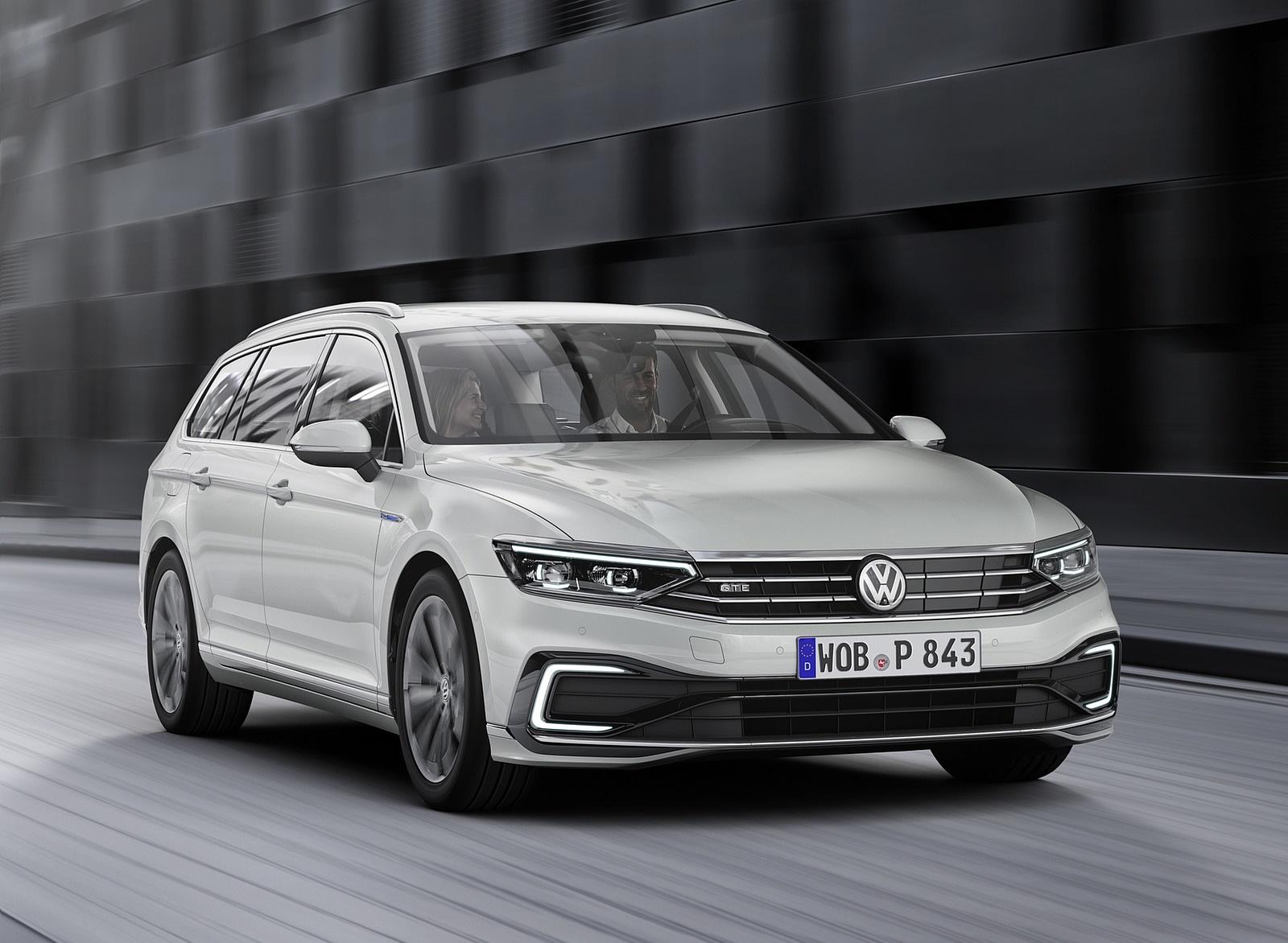2020 Volkswagen Passat GTE Variant (EU-Spec) Front Wallpaper (4)