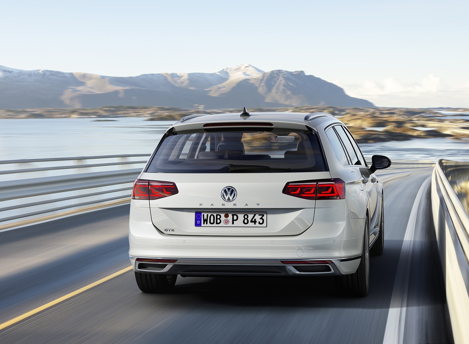 2020 Volkswagen Passat GTE Variant (EU-Spec) Rear Wallpapers (6)