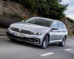 2020 Volkswagen Passat GTE Variant (Plug-In Hybrid EU-Spec) Front Three-Quarter Wallpapers 150x120 (2)