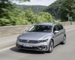2020 Volkswagen Passat GTE Variant (Plug-In Hybrid EU-Spec) Front Three-Quarter Wallpapers 150x120 (3)