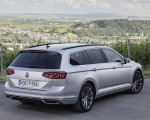 2020 Volkswagen Passat GTE Variant (Plug-In Hybrid EU-Spec) Rear Three-Quarter Wallpapers 150x120 (13)