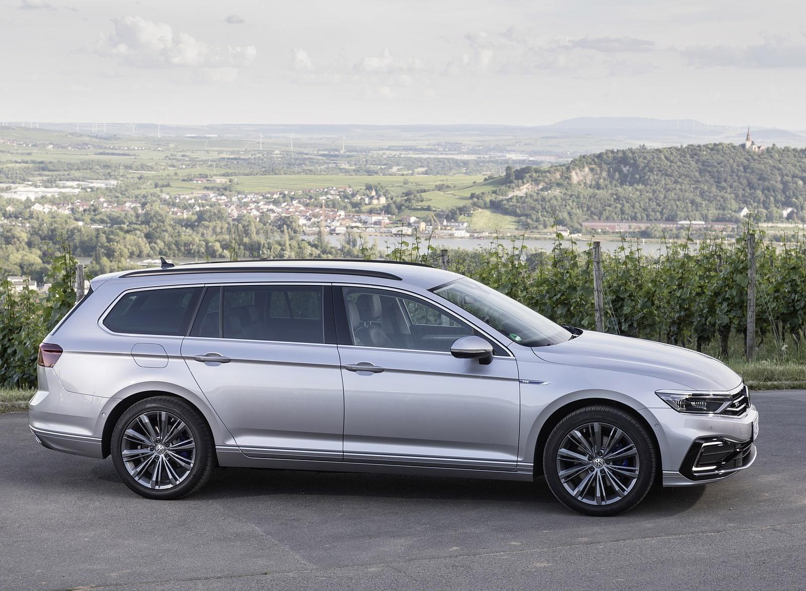 2020 Volkswagen Passat GTE Variant (Plug-In Hybrid EU-Spec) Side Wallpapers (14)