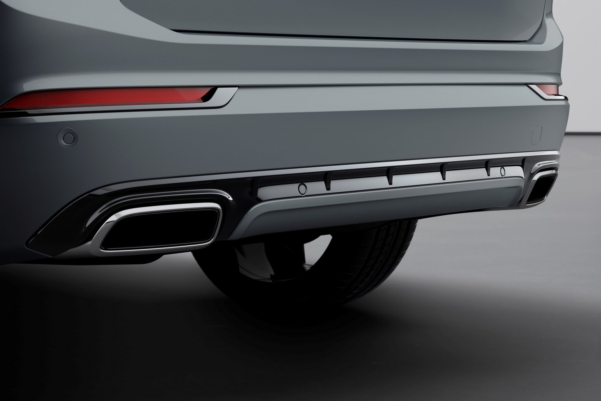 2020 Volvo XC90 R-Design T8 Plug-in Hybrid (Color: Thunder Grey) Exhaust Wallpapers (8)