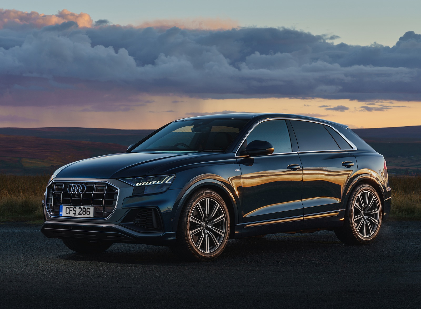 2019 Audi Q8 S Line 50 TDI Quattro (UK-Spec) Front Three-Quarter Wallpaper (9)