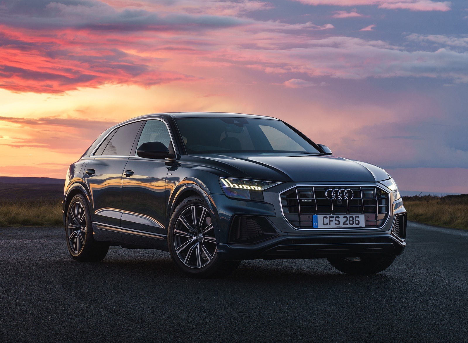 2019 Audi Q8 S Line 50 TDI Quattro (UK-Spec) Front Three-Quarter Wallpaper (11)