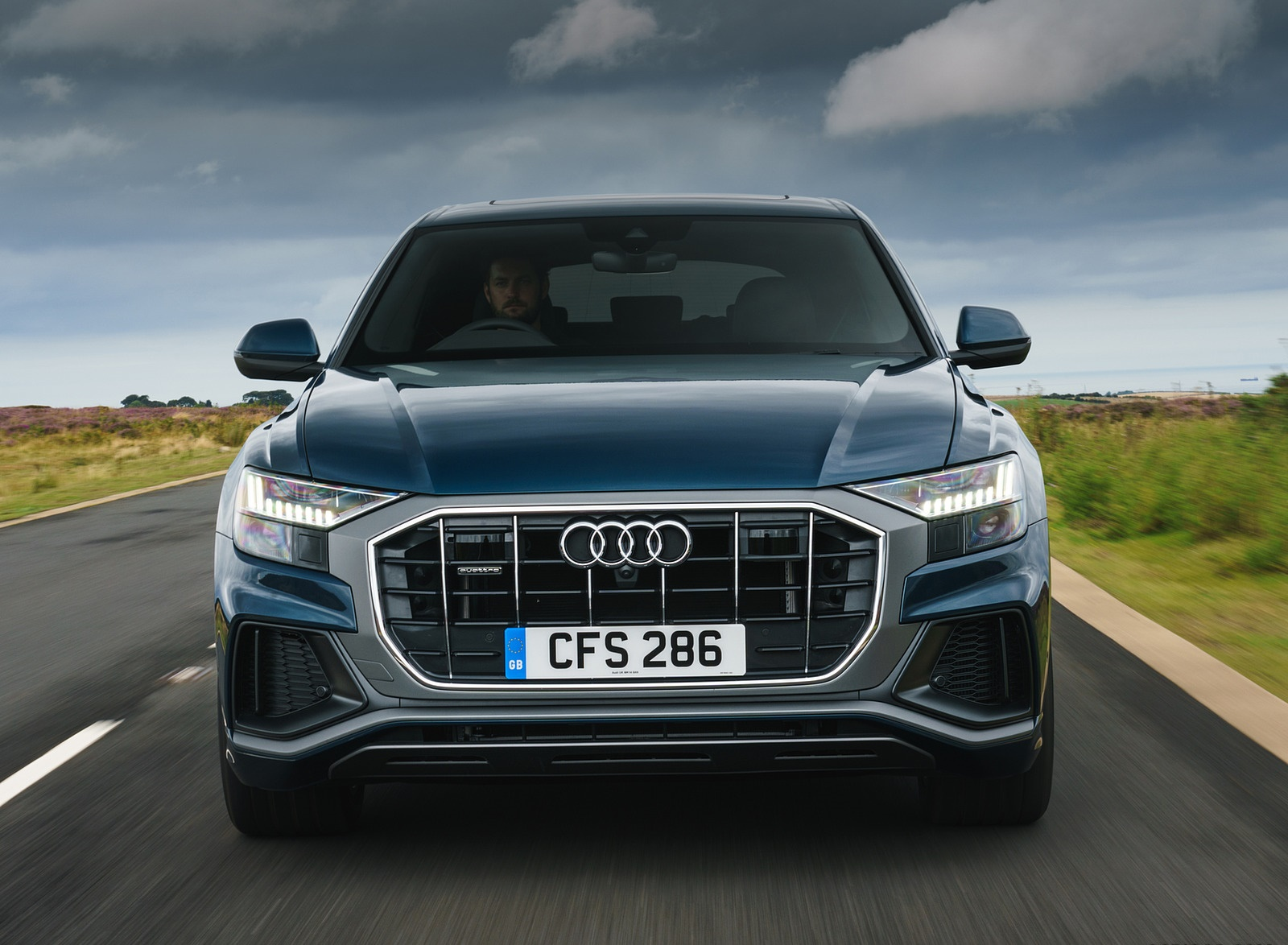 2019 Audi Q8 S Line 50 TDI Quattro (UK-Spec) Front Wallpaper (4)