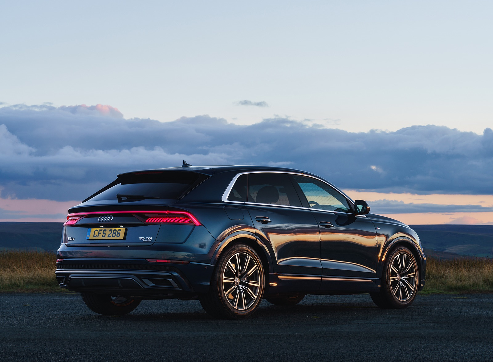 2019 Audi Q8 S Line 50 TDI Quattro (UK-Spec) Rear Three-Quarter Wallpaper (13)