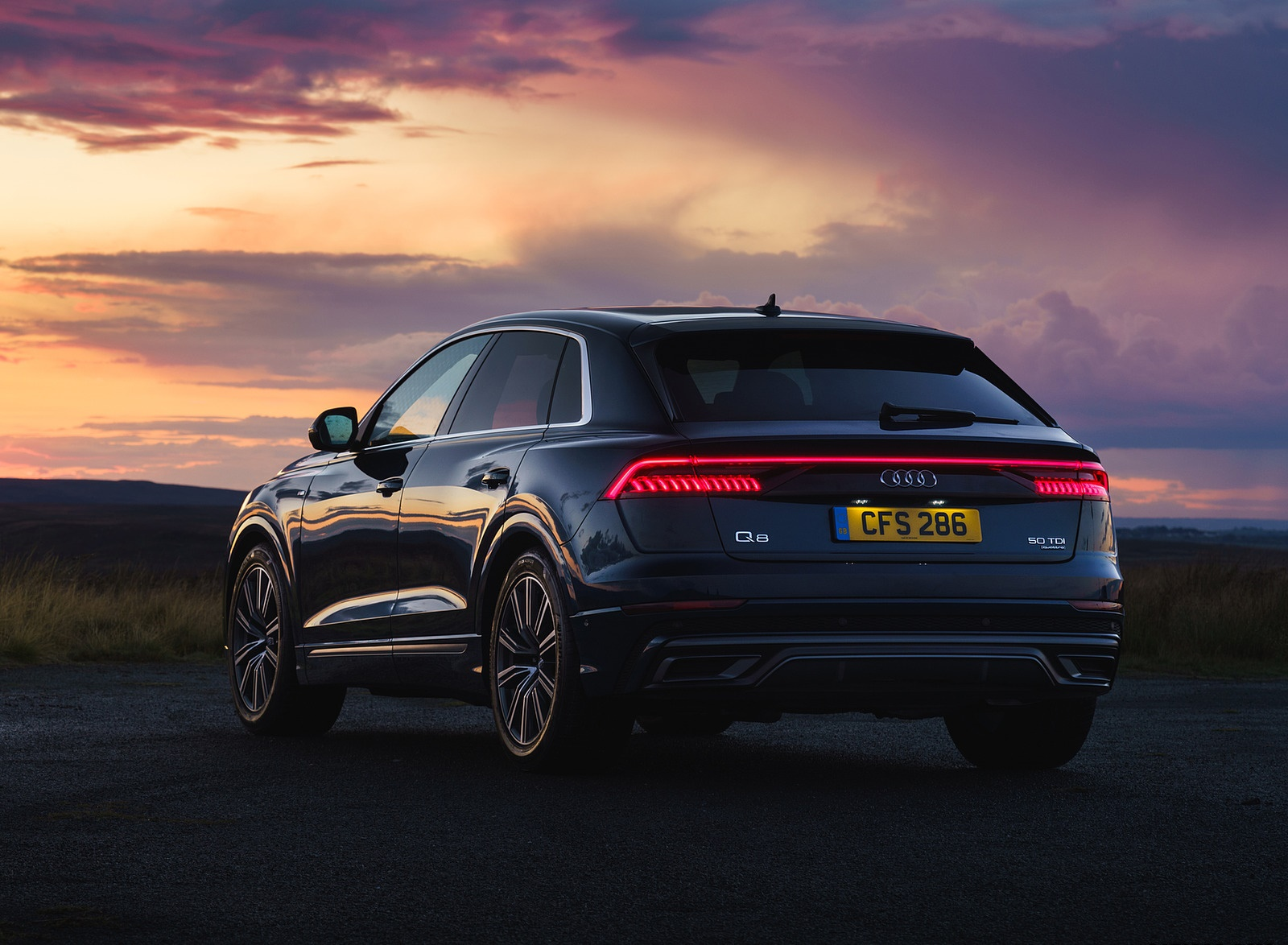 2019 Audi Q8 S Line 50 TDI Quattro (UK-Spec) Rear Three-Quarter Wallpaper (14)