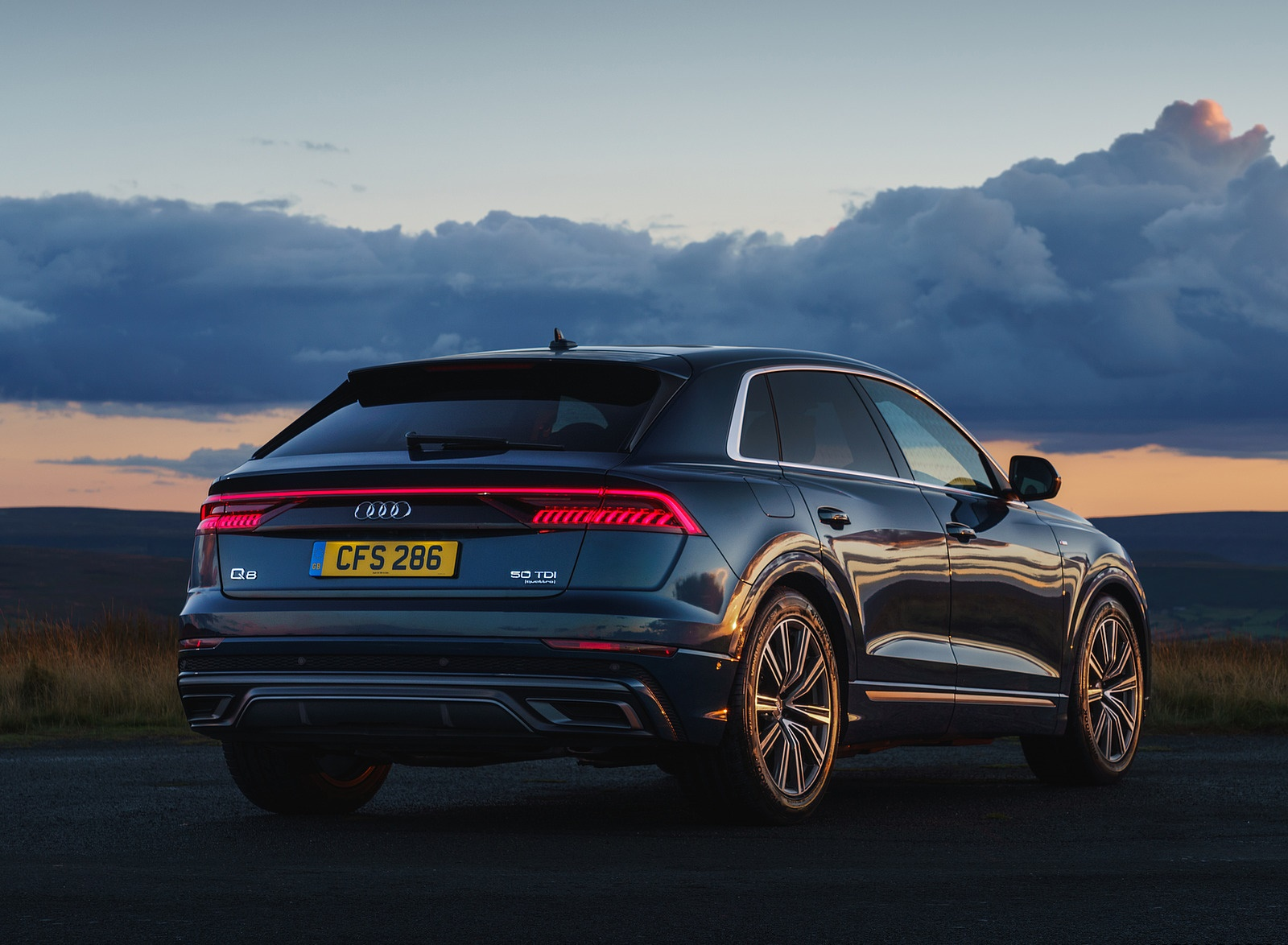 2019 Audi Q8 S Line 50 TDI Quattro (UK-Spec) Rear Three-Quarter Wallpaper (15)