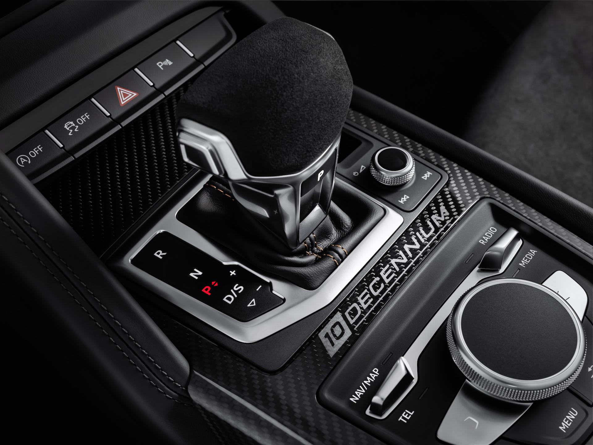2019 Audi R8 V10 Decennium (Color: Daytona Gray Matt) Interior Detail Wallpaper (13)