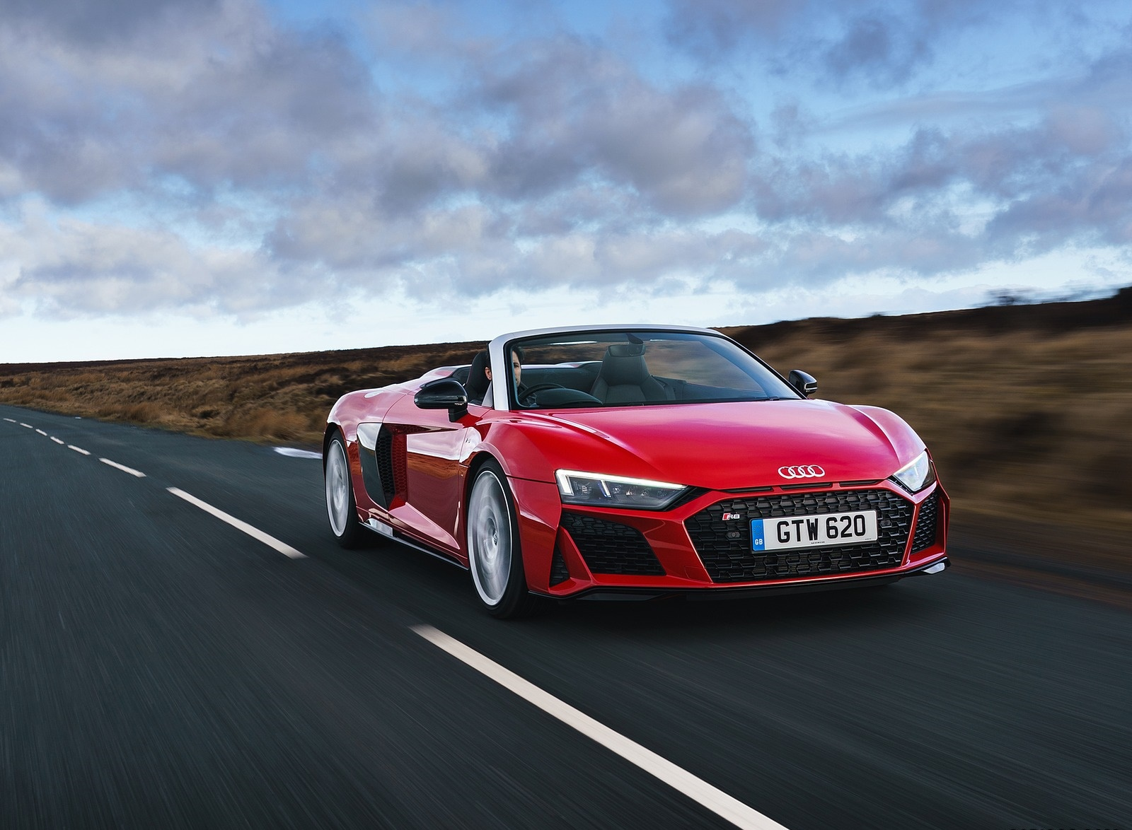 2019 Audi R8 V10 Spyder Performance quattro (UK-Spec) Front Three-Quarter Wallpapers (4)