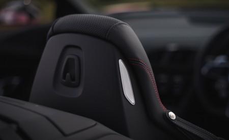 2019 Audi R8 V10 Spyder Performance quattro (UK-Spec) Interior Detail Wallpapers 450x275 (89)