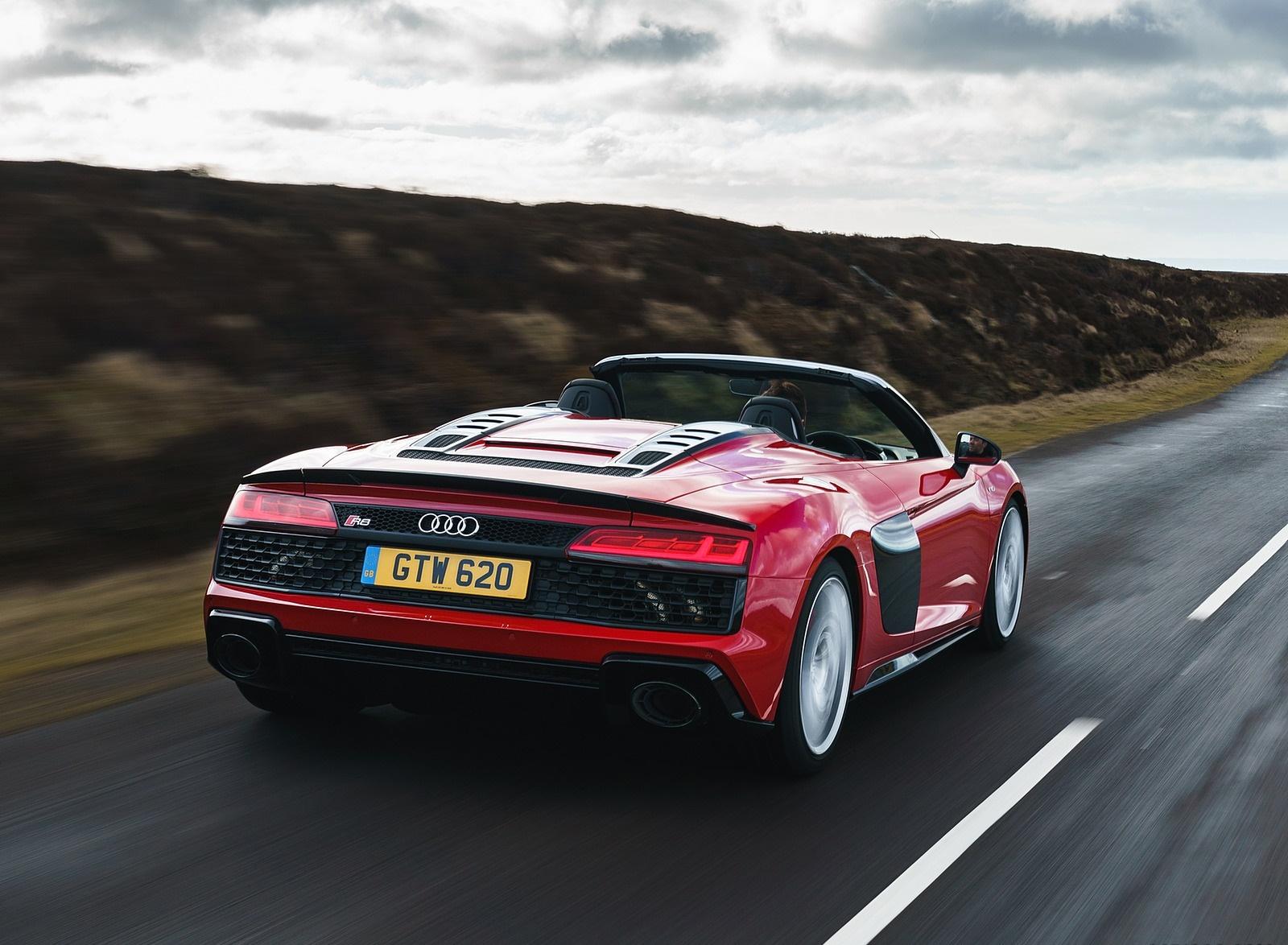 2019 Audi R8 V10 Spyder Performance quattro (UK-Spec) Rear Three-Quarter Wallpaper (7)