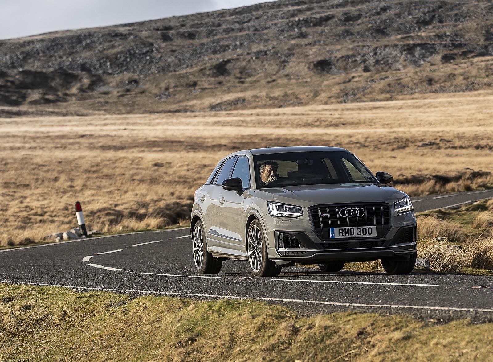 2019 Audi SQ2 (UK-Spec) Front Three-Quarter Wallpaper (8)