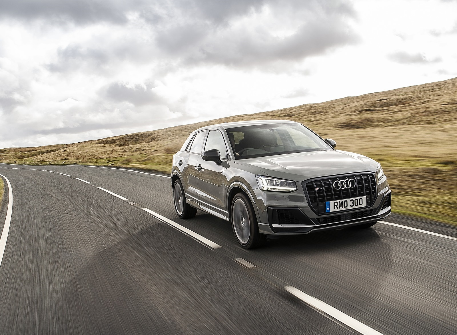 2019 Audi SQ2 (UK-Spec) Front Three-Quarter Wallpaper (11)