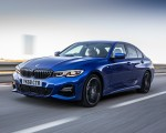 2019 BMW 3-Series Saloon 320d xDrive (UK-Spec) Front Three-Quarter Wallpapers 150x120 (26)