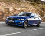 2019 BMW 3-Series Saloon 320d xDrive (UK-Spec) Front Three-Quarter Wallpapers 150x120 (4)