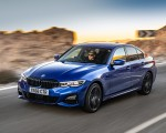 2019 BMW 3-Series Saloon 320d xDrive (UK-Spec) Front Three-Quarter Wallpapers 150x120 (21)