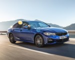 2019 BMW 3-Series Saloon 320d xDrive (UK-Spec) Front Three-Quarter Wallpapers 150x120 (16)