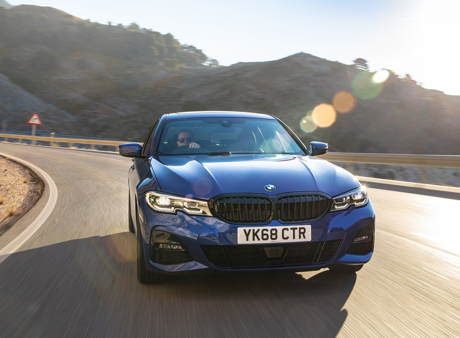 2019 BMW 3-Series Saloon 320d xDrive (UK-Spec) Front Wallpapers (14)