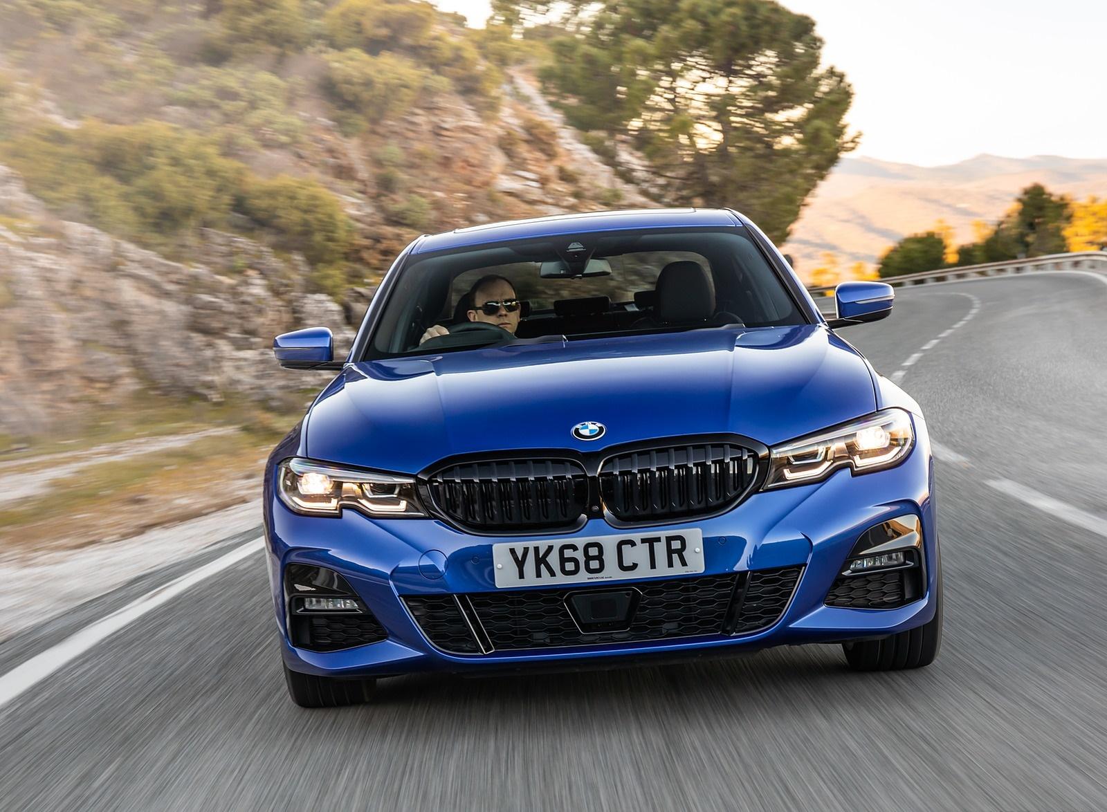 2019 BMW 3-Series Saloon 320d xDrive (UK-Spec) Front Wallpapers (11)