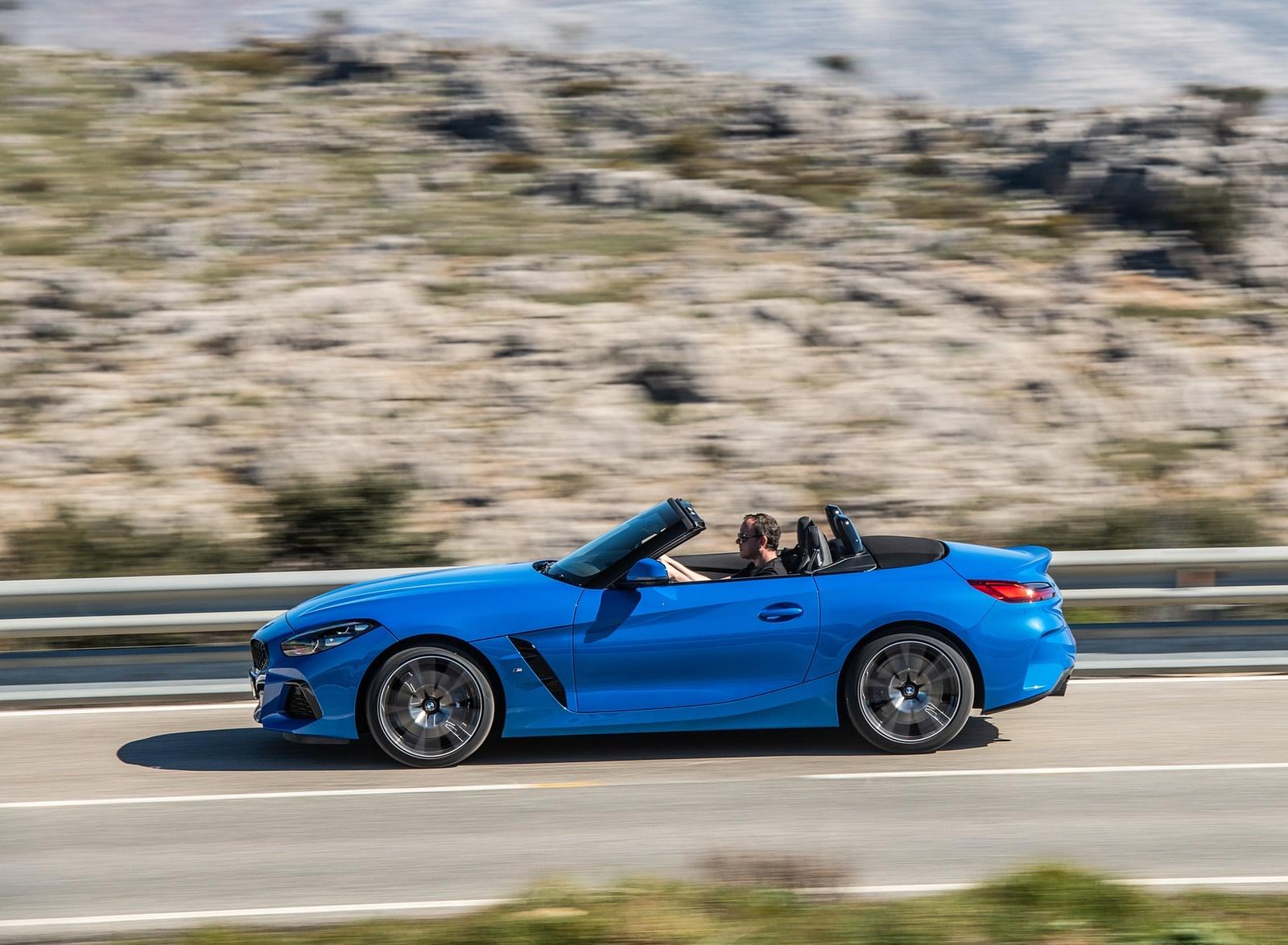 2019 BMW Z4 sDrive20i (UK-Spec) Side Wallpaper (14)