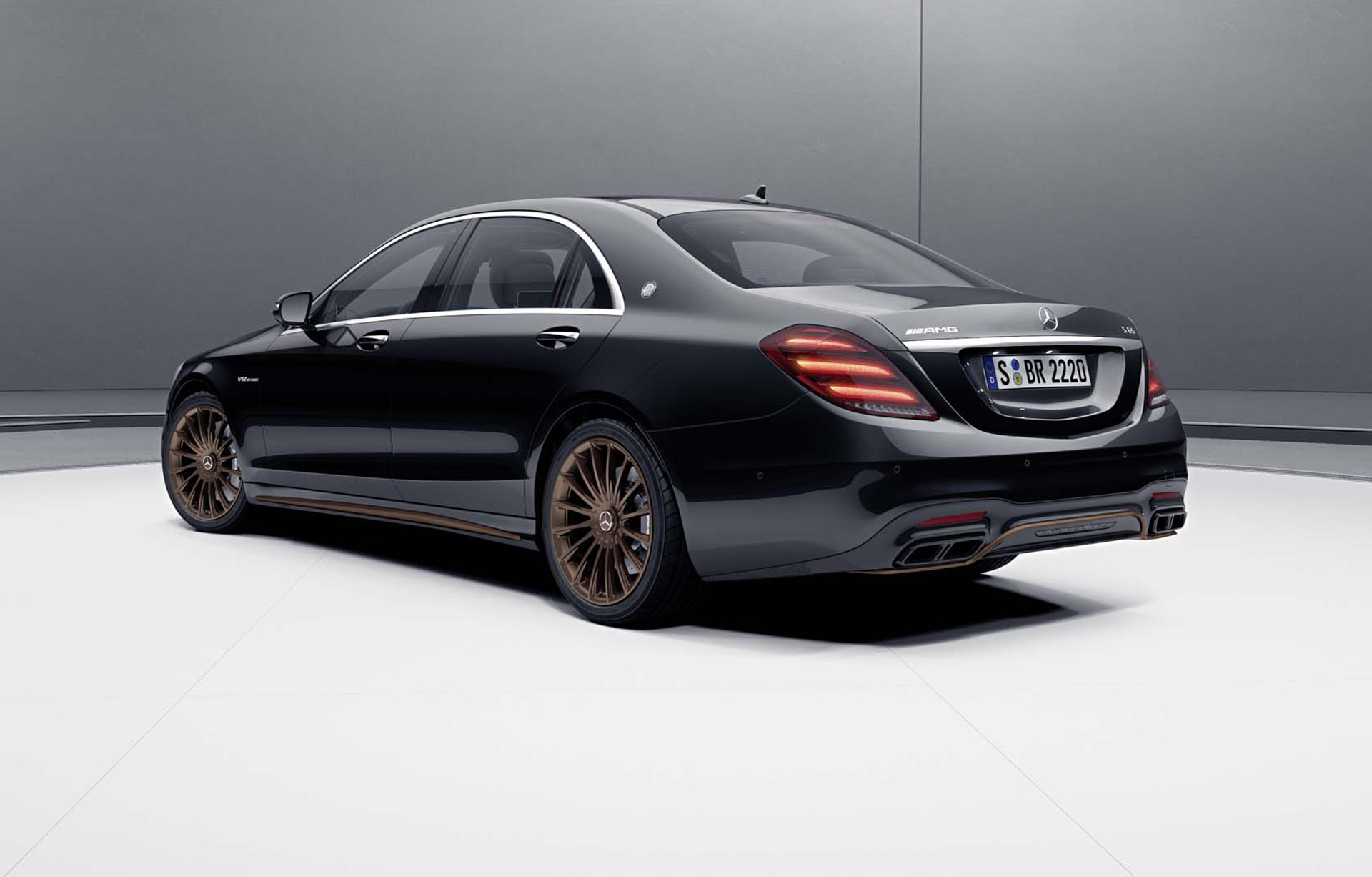 2019 Mercedes-AMG S65 Final Edition Rear Three-Quarter Wallpapers (2)