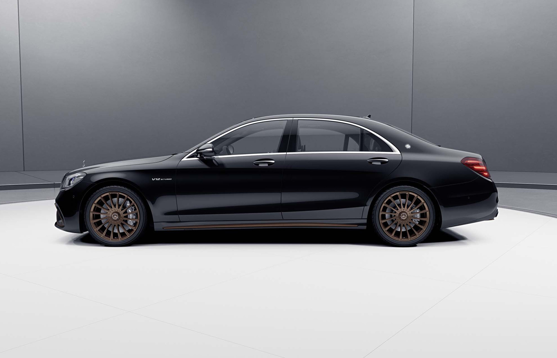 2019 Mercedes-AMG S65 Final Edition Side Wallpapers (3)