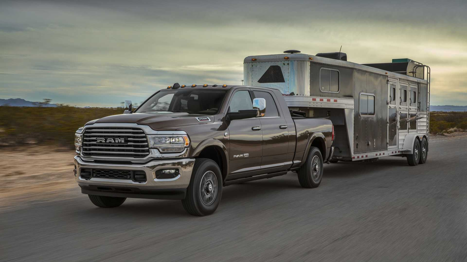 2019 Ram 2500 Heavy Duty Front Three-Quarter Wallpapers (9)
