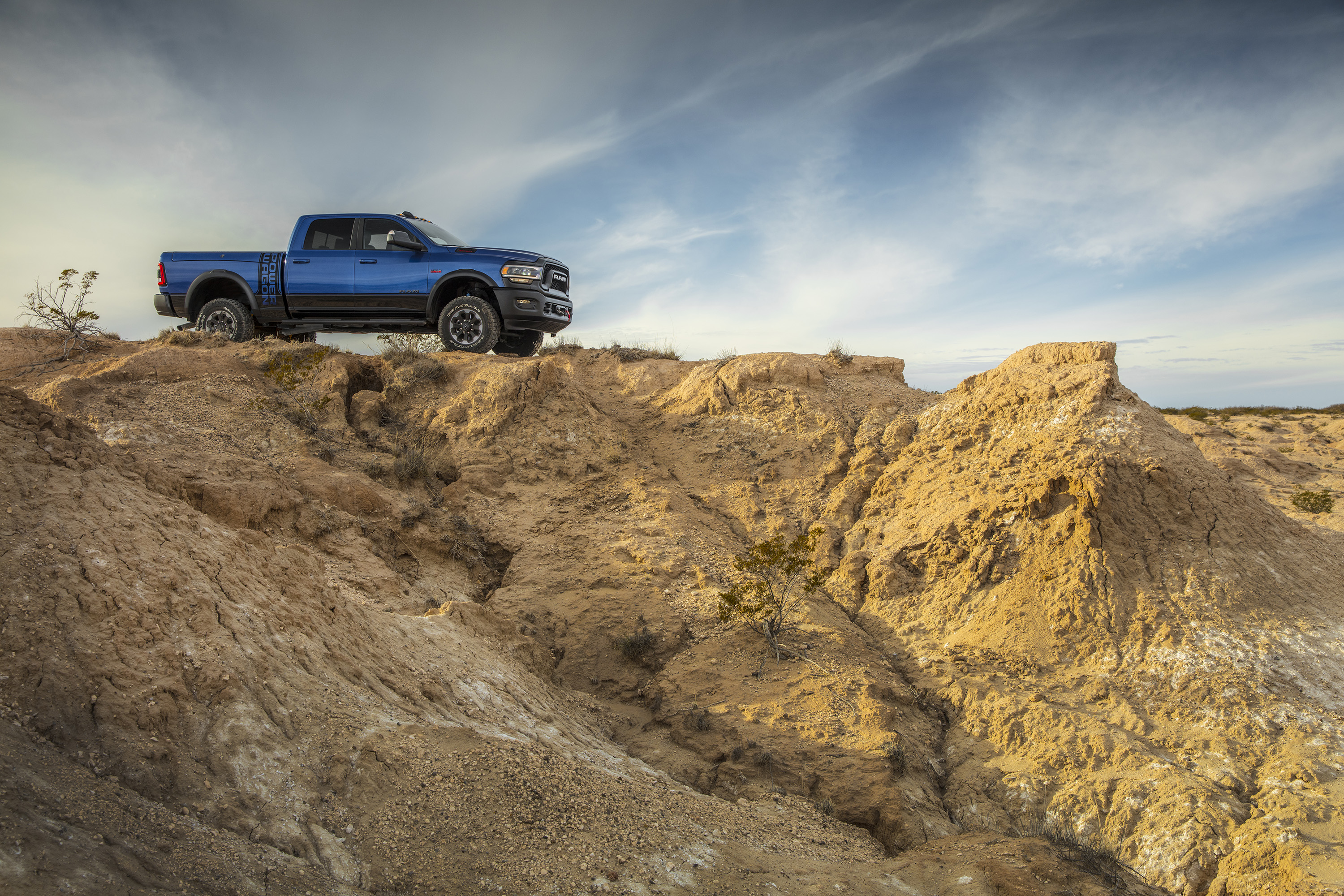 2019 Ram 2500 Power Wagon (Color: Blue Streak) Side Wallpapers (8)