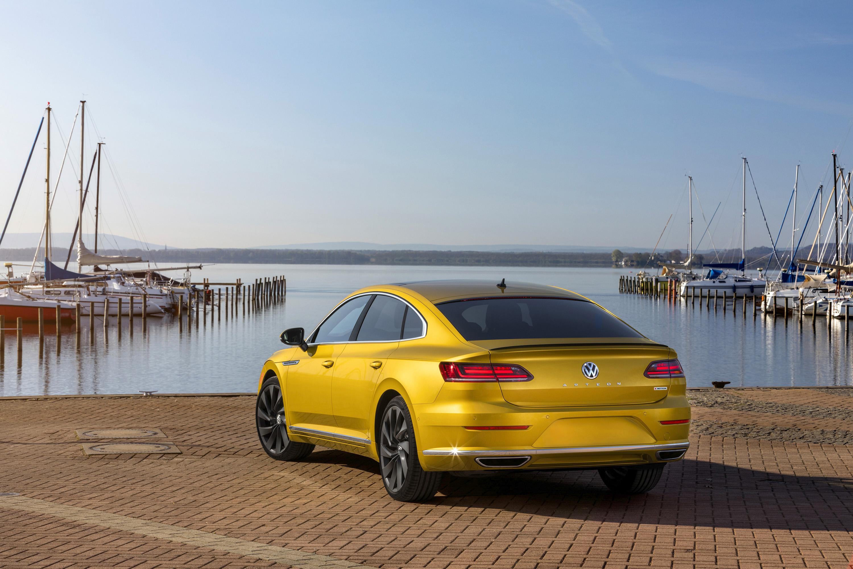 2019 Volkswagen Arteon R-Line Rear Three-Quarter Wallpaper (5)