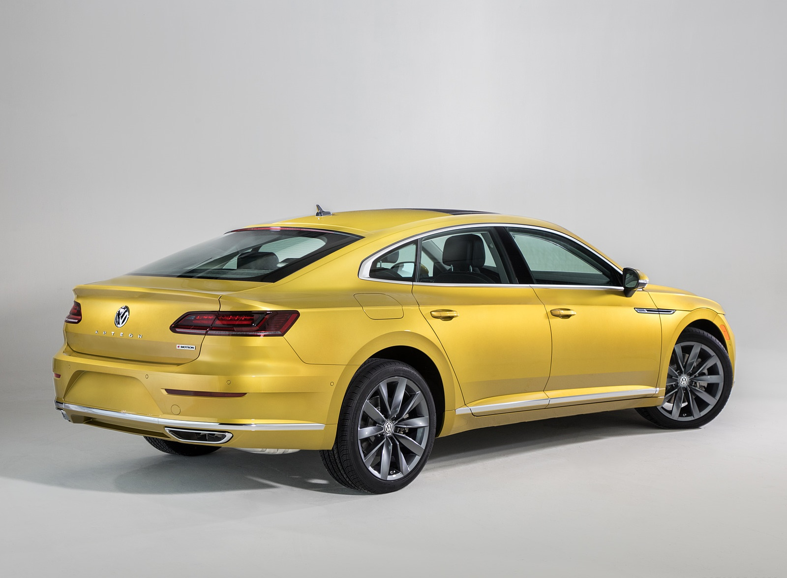 2019 Volkswagen Arteon (US-Spec) Rear Three-Quarter Wallpaper (13)